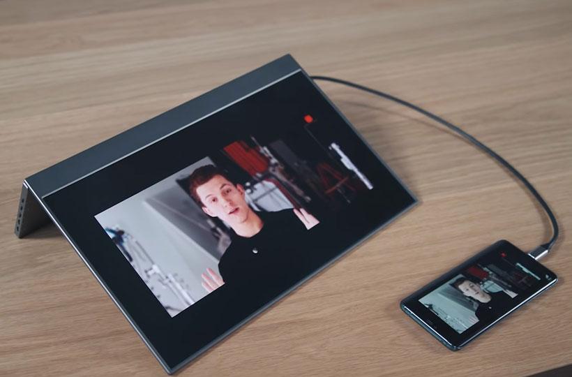 BladeX – The Slimmest Portable Monitor id=