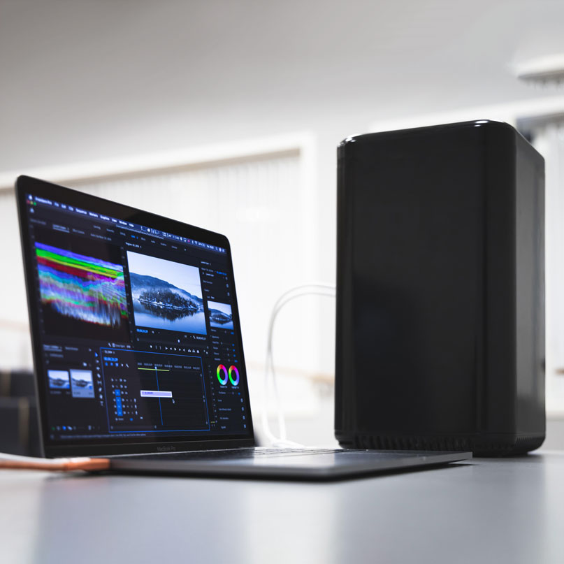 BlackBeast – A Desktop Powerhouse For Your Ultraslim Laptop