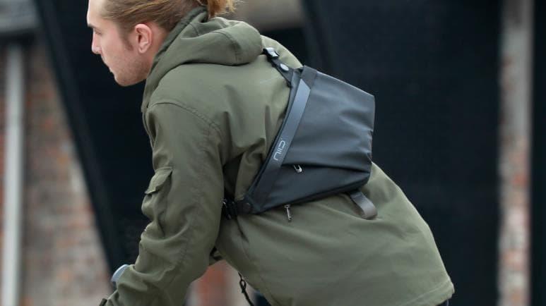 niid sling pack